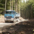 Recycling: Ein großer Teil des benötigten Schotters für den Wegebau kann direkt vom Aushub der drei Turmfundamente verwendet werden.